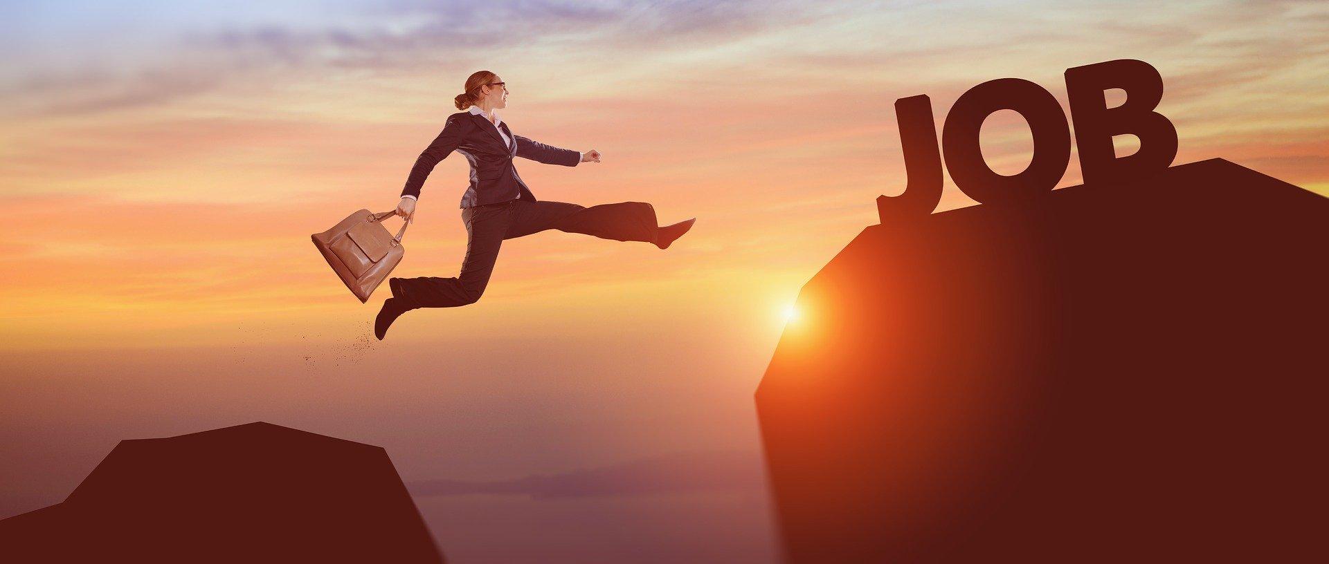 【転職で本当に年収はアップするのか?】実態と2つのポイント
