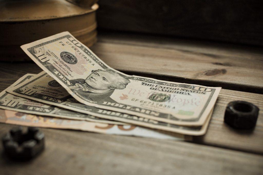 転職2回で年収は1,000万円を突破!ありけんの実例